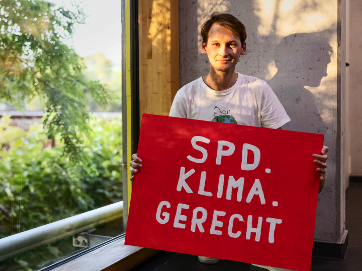 """""""Merkel was never a climate chancellor"""": the 24-year-old makes demands on Scholz"""