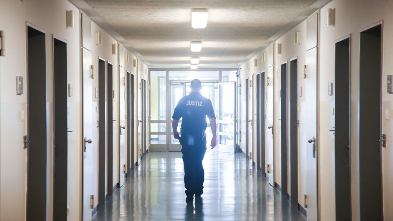 Lots of suicides: The quarrel about prevention in Hamburg's prisons